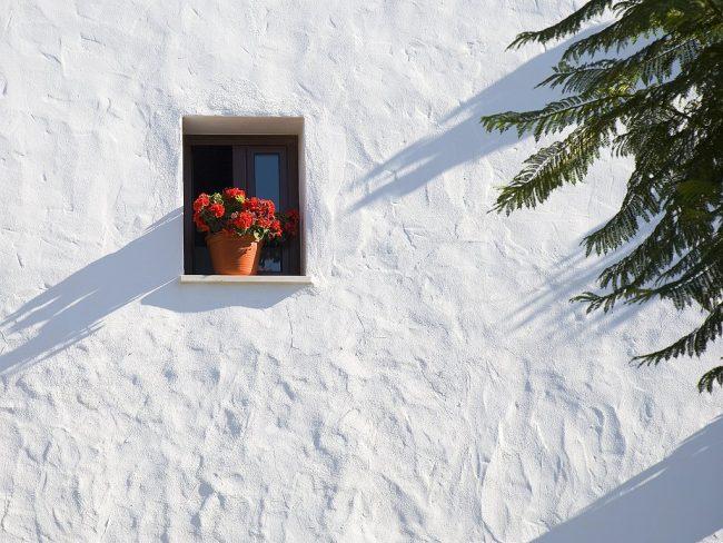 C mo pintar con cal como - Como pintar paredes con humedad ...