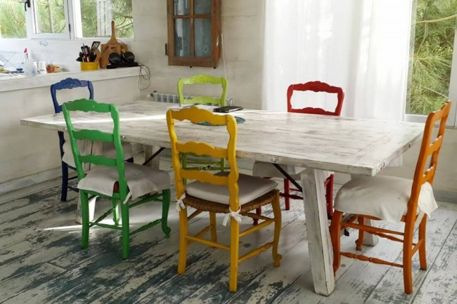 C mo pintar sillas de madera como for Como pintar una mesa de madera