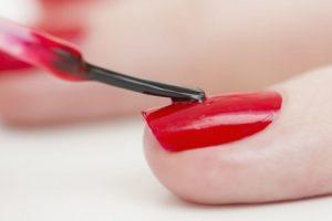 Cómo pintar uñas rapida y facilmente
