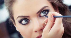 Cómo pintar los ojos grandes