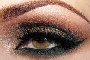 como pintar ojos ahumados