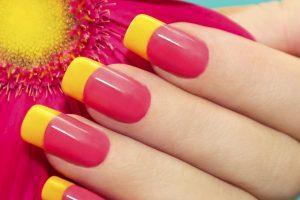Cómo pintar uñas paso a paso